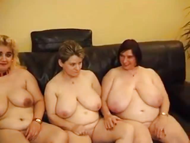 Trio lesbien pour BBW matures